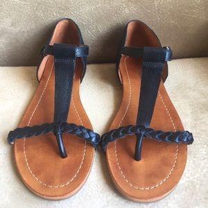 Lucky Brand T Strap Sandal Black